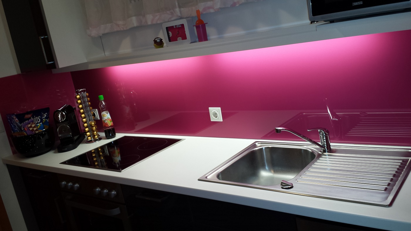 Stunning Küche In Pink Contemporary - Brentwoodseasidecabins.com ...